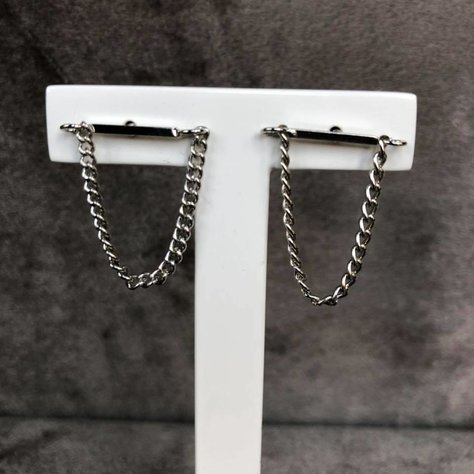 CHAIN STUD IN SILVER