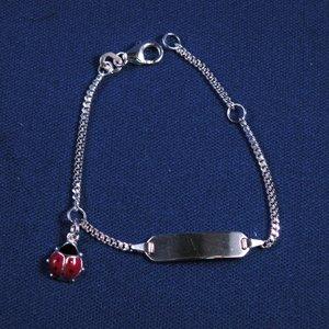 """Plaatarmbandje zilver """"Lieveheersbeesje rood"""" 11-13 cm"""