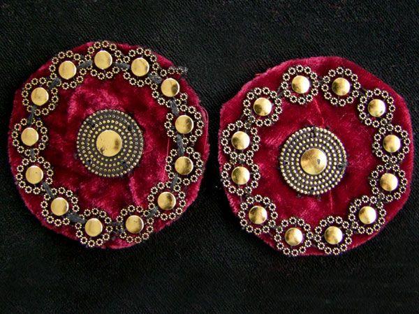 Tribal Medaillon weinrot/ gold