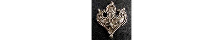 Silber Schmuck: Ohrringe, Armreifen, Ringe