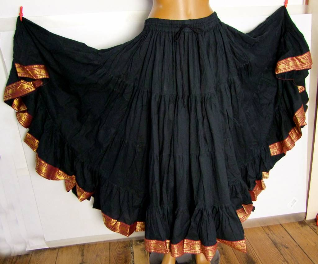 25 yards Tribalskirt with trimming black