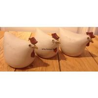 Winterharde witte kipjes van keramiek