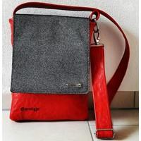 Rode leren schoudertas met zwart-witte klep