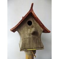 Vogelhuis Puntdak hoog op paal