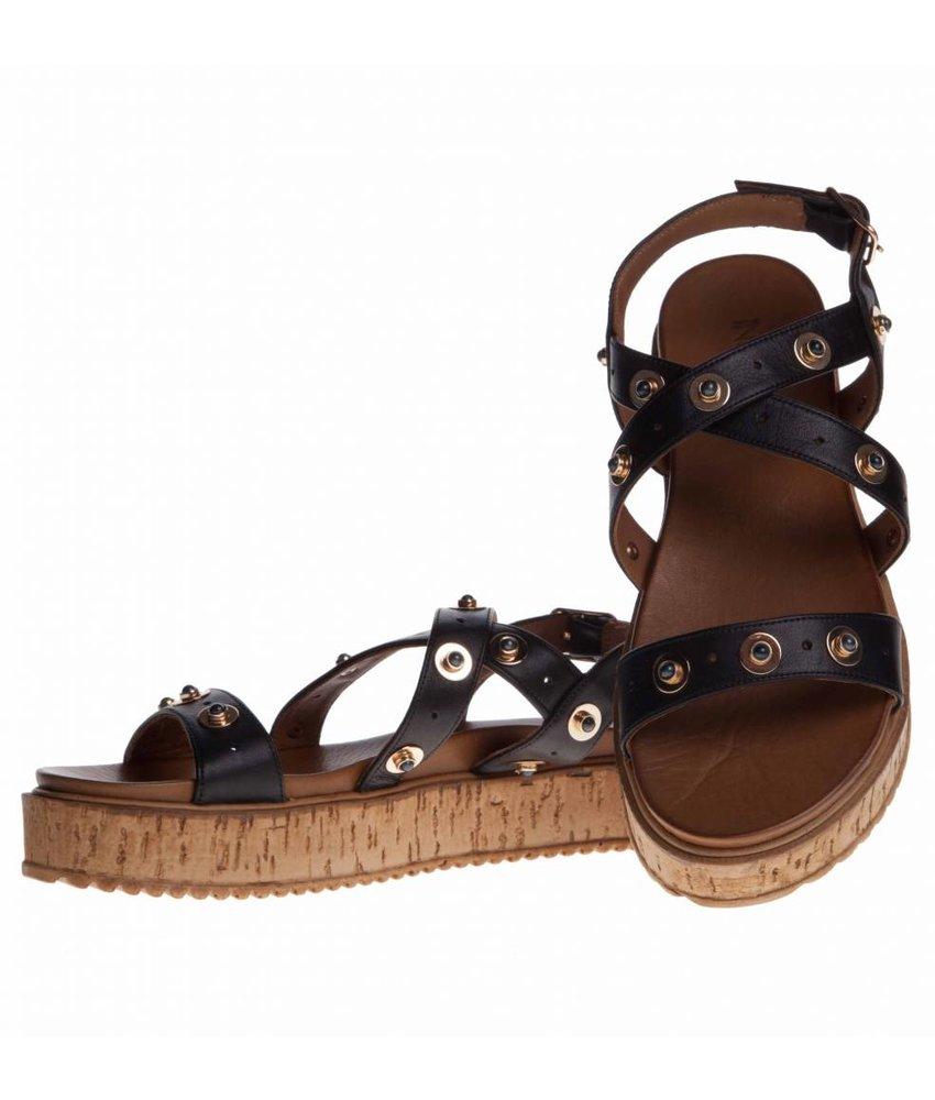 INUOVO sandalen zwart leder met studs