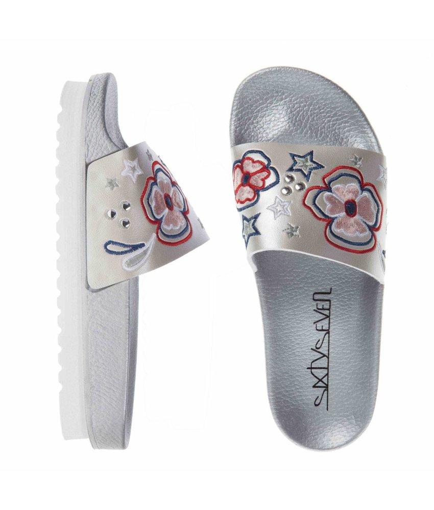 SIXTYSEVEN slippers geborduurd zilver