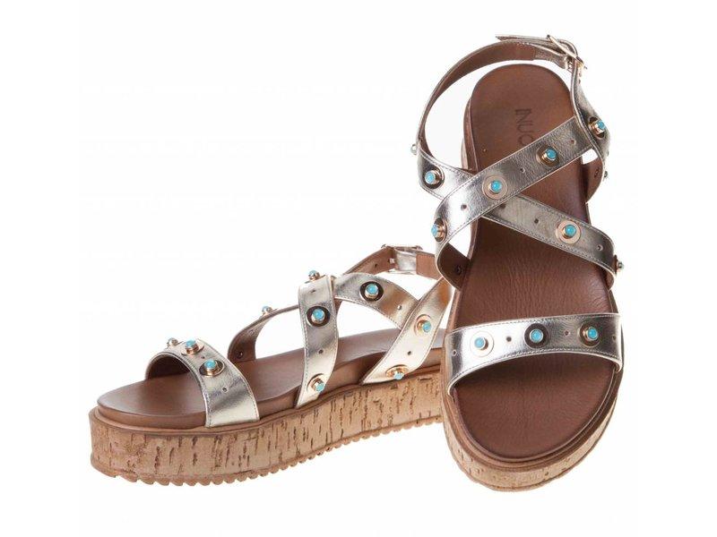 INUOVO sandalen goud leder met studs