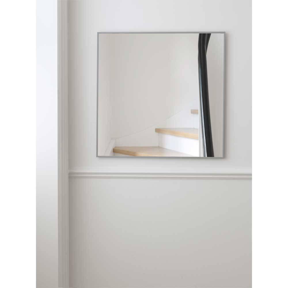 minimalistische spiegel view cool grey van by lassen. Black Bedroom Furniture Sets. Home Design Ideas
