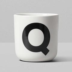 Playtype porcelain mug with letter (Q t/m Z)