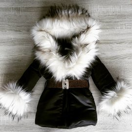 Zwarte winterjas inclusief bontkraag