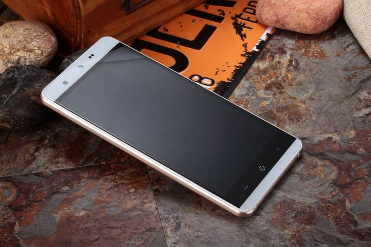 "KINGZONE KINGZONE N5 Wit, 4G LTE, QUAD-CORE 5,0"" HD, 2.5D Gorilla Arc Screen, 2GB/16GB"