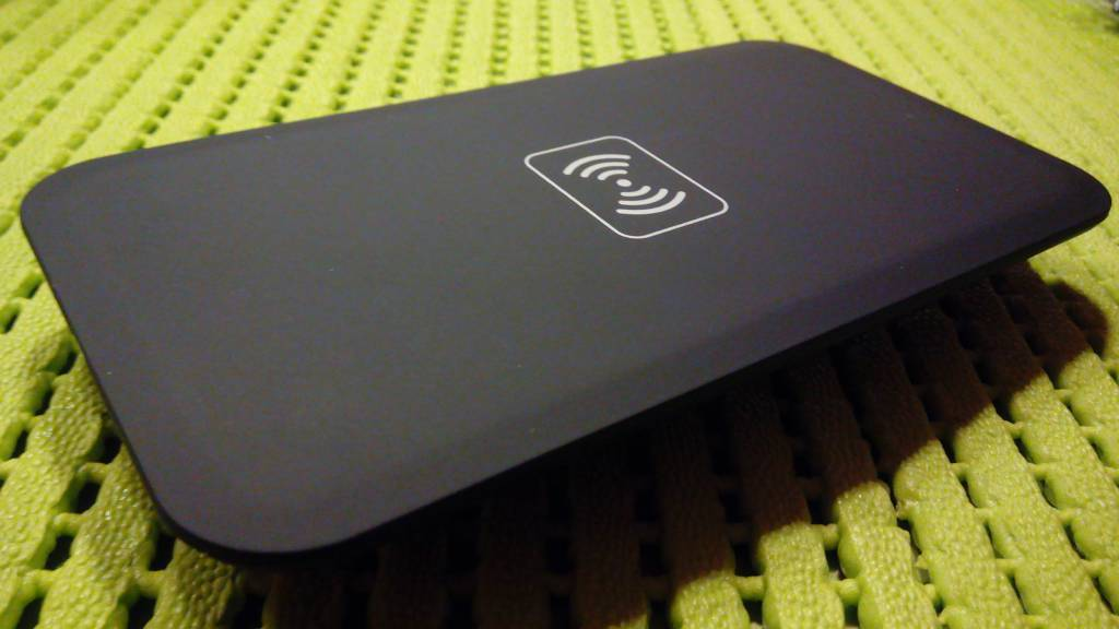 Newsinte Q9 Wireless Charging Pad with Q1 Technology