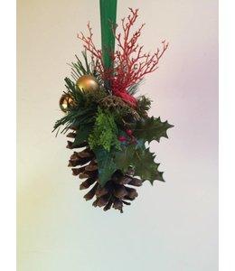 Kerststuk Denneappel 20 cm