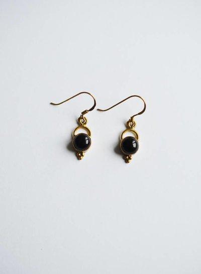 Onyx oorbel brass