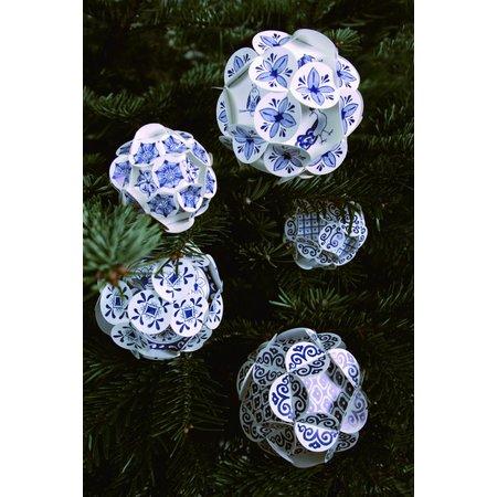 Delft blue baubles