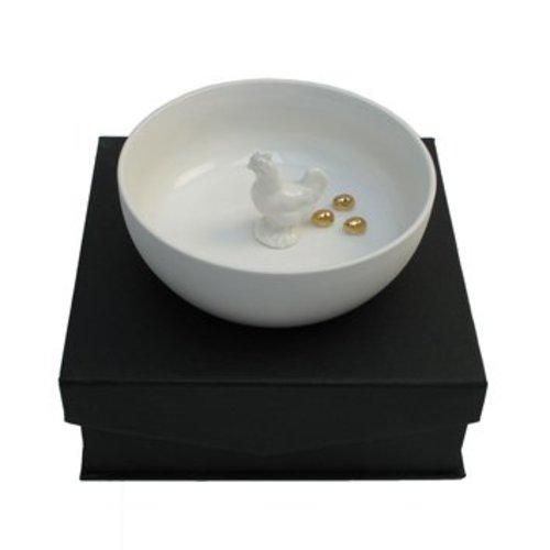 Scale-Huhn mit dem goldenen Ei