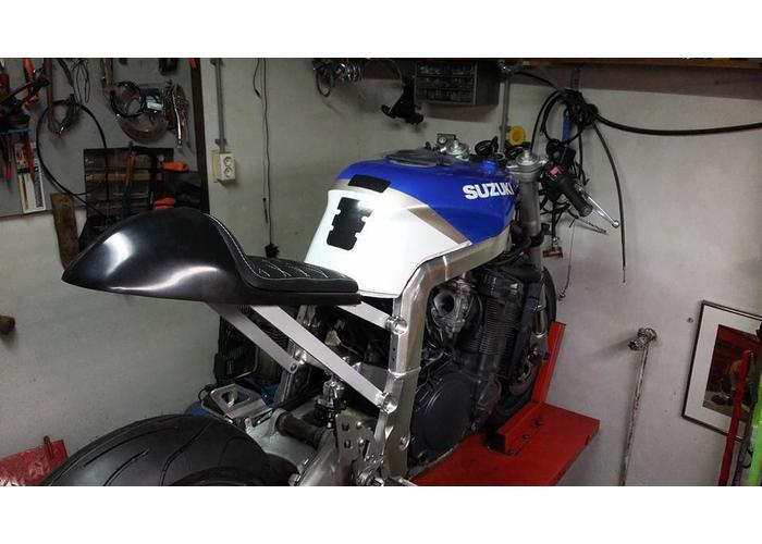 C.Racer Cafe Racer Seat Diamond Stitch Zwart Type 27
