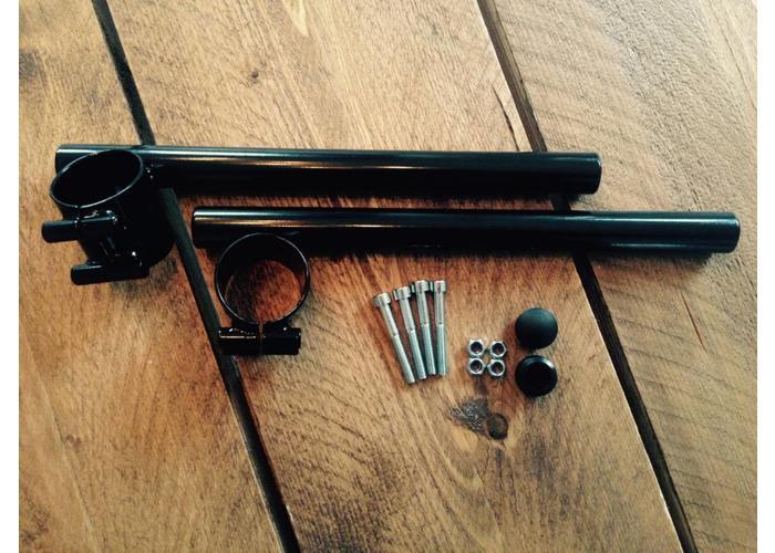 39MM - 22MM Zwarte Clipons