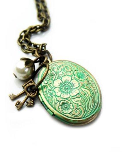 Medaillon Halskette Vintage  m Patina