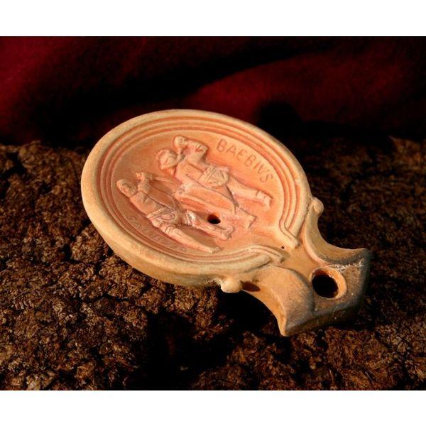 Roman oil lamp gladiator Decirivs-Bibius