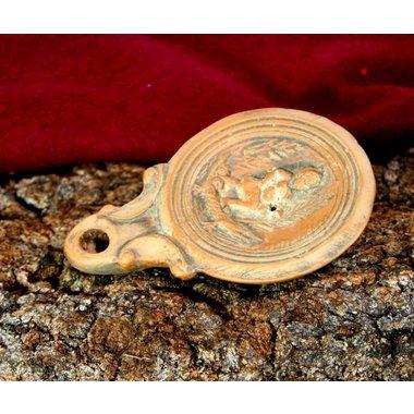 Lampe à huile romaine, Cléoptre