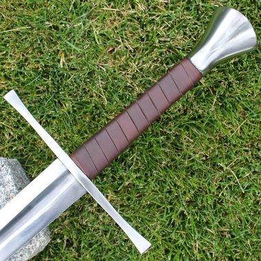 Hand-and-a-half sword Darren