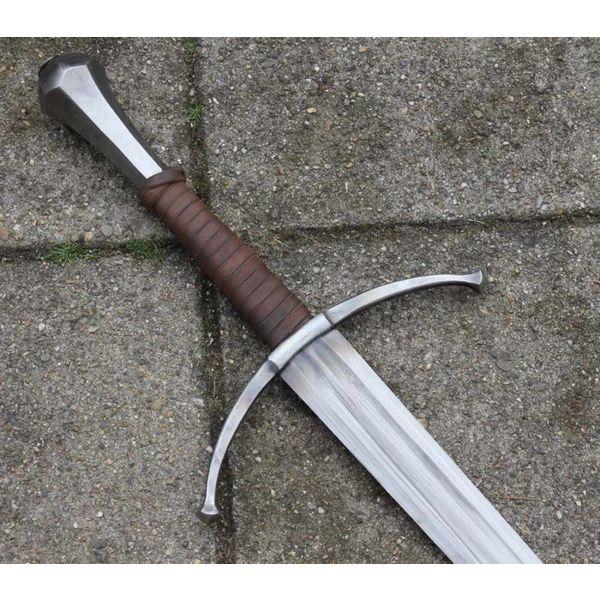 Espada de mano y media William