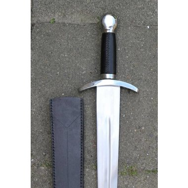 Medieval short sword (battle-ready)