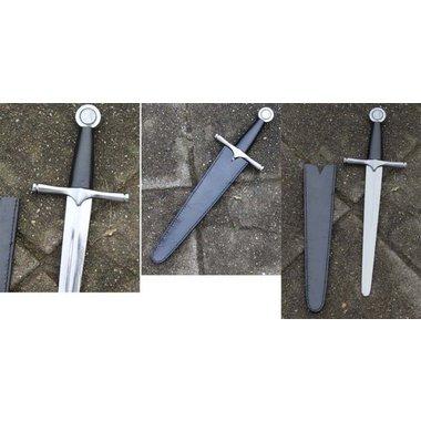 Dagger with round pommel