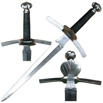 Dagger with shell-shaped guard