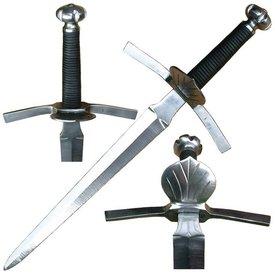 Dagger w kształcie muszli osłoną