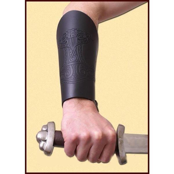 Paire de canons (brassards) d'avant-bras avec Thors marteau