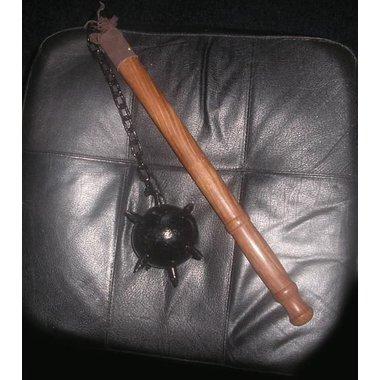 Flagello con palle di legno