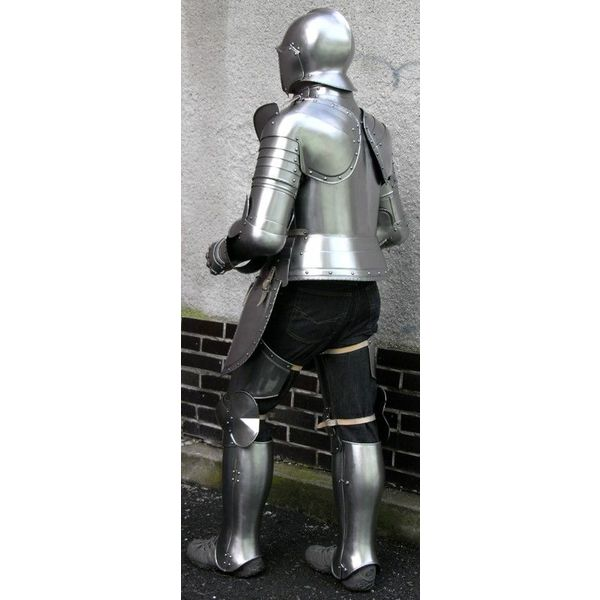 Late 16th century German suit of armour