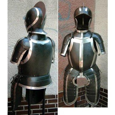 Mitad armadura Guerra 80 años