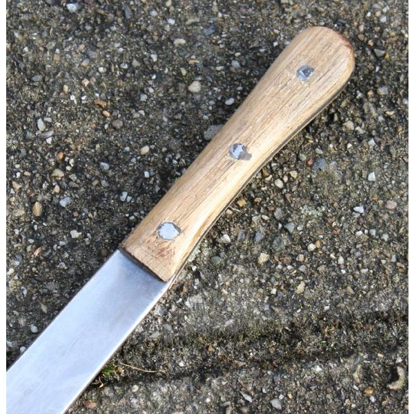 Seax with oakwooden handle