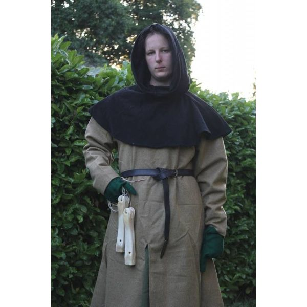 (Early) Medieval chaperon