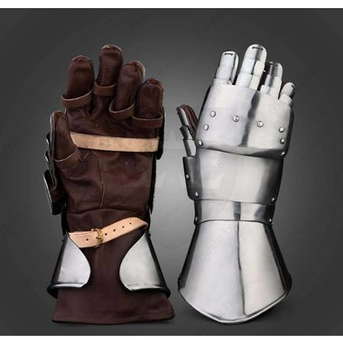 15th century jousting gauntlets