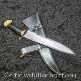 Scramasaxe décorée d'un triskelion, manche en corne