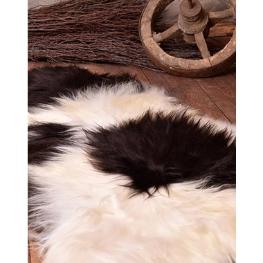 Piel de oveja nórdica en blanco y negro