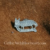 Medieval cat and mouse badge
