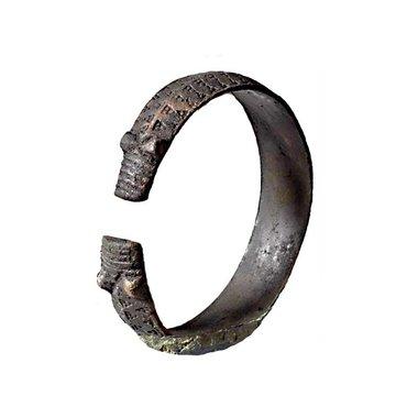 Pulsera vikingo del siglo noveno