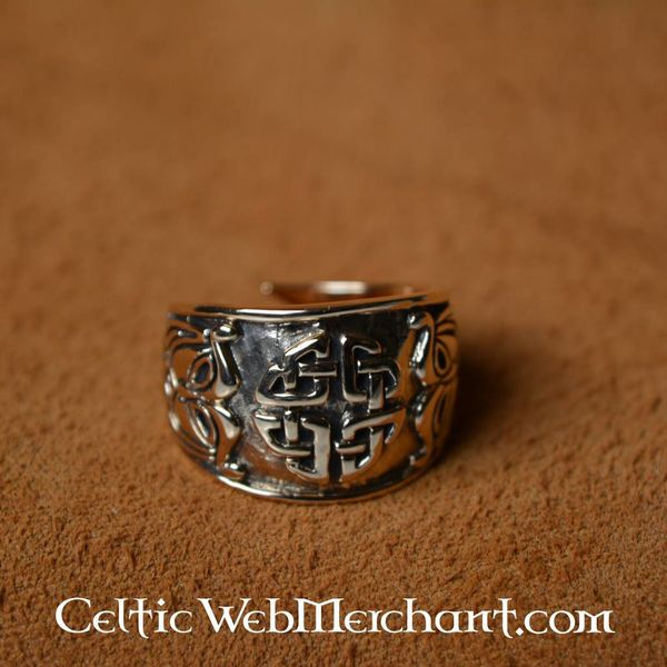 Celtic knot ring, large