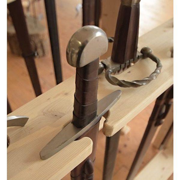 Support en bois pour les épées et les bras polaires