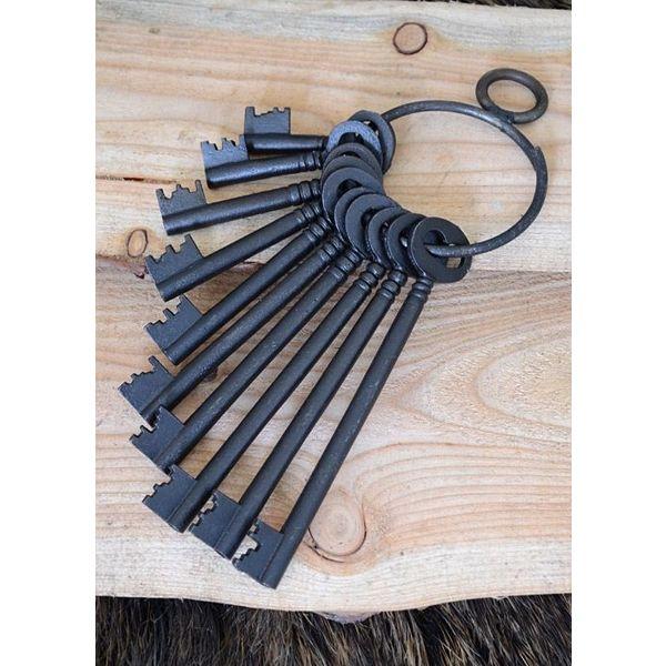 Set van tien historische sleutels