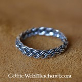 Viking ring with knot pattern