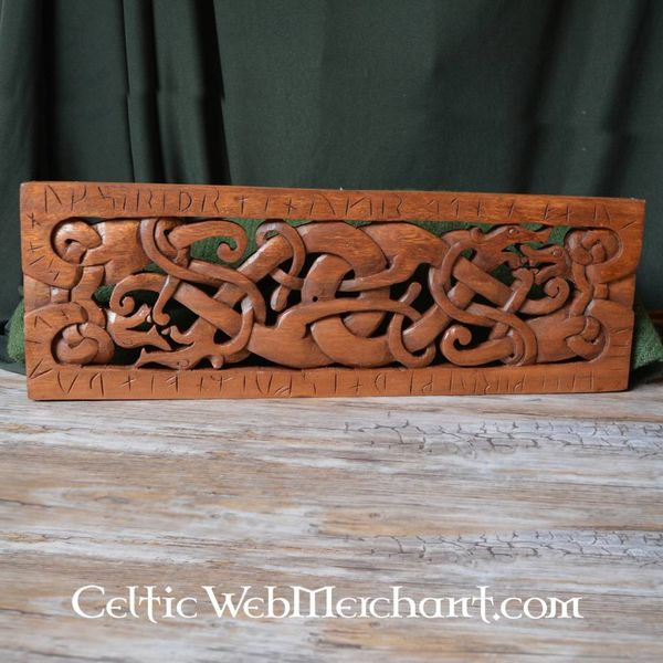 Urnes-style wood carving