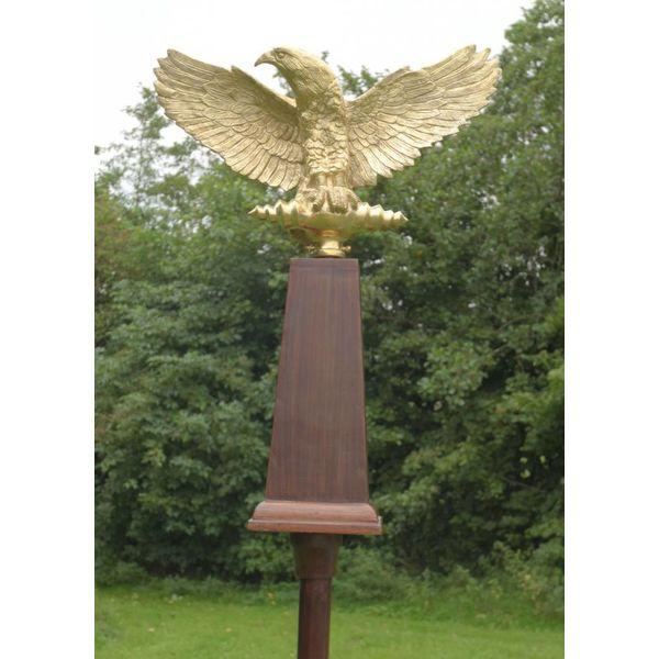 Deepeeka Aquila, Roman eagle with shaft