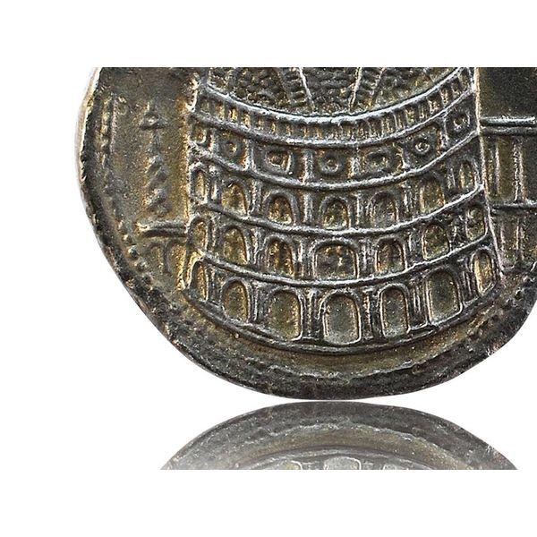 Moneda romana apertura Coliseo
