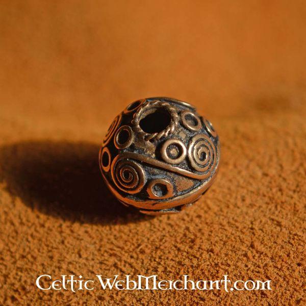Celtic beard bead with spirals